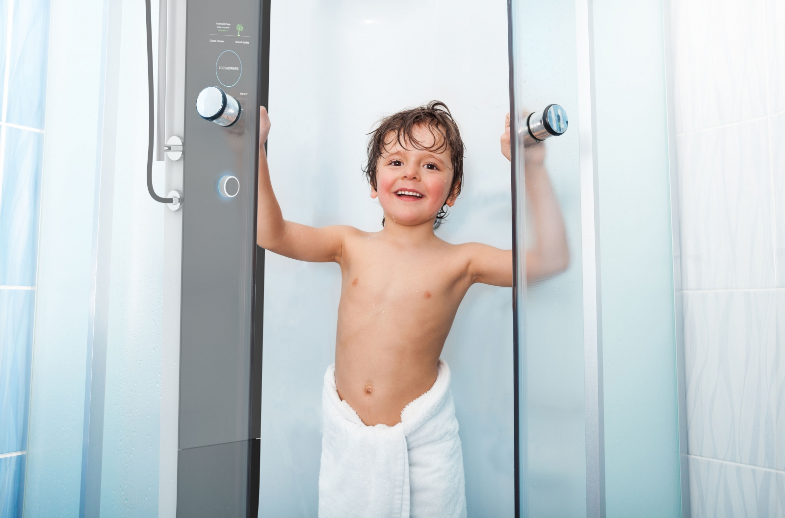 Kid Exiting Shower_klein